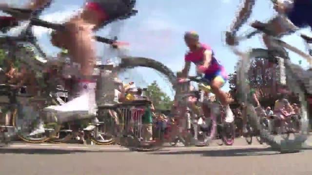 El aleman Marcel Kittel Argos gano este sabado la primera etapa de la 100ª edicion del Tour de Francia y se convierte en el primer lider de la...
