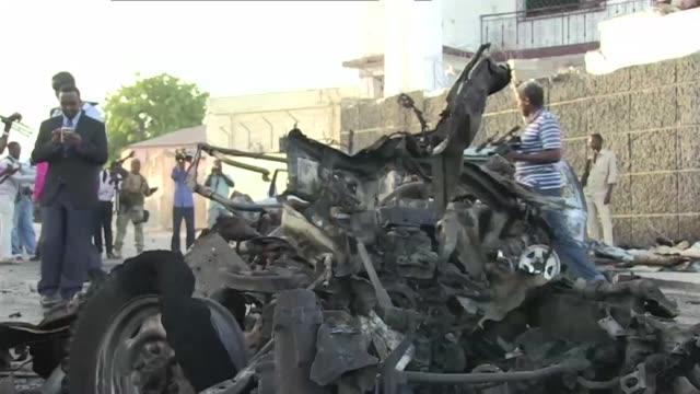 el ano comienza con violencia en somalia sumida en una prolongada guerra civil - guerra civil stock videos and b-roll footage