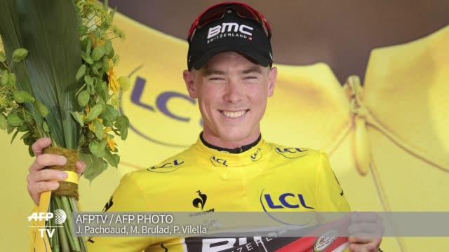 el australiano rohan dennis se hizo con el primer maillot amarillo del tour de francia de 2015 tras su victoria en la contrarreloj individual... - utrecht stock videos & royalty-free footage