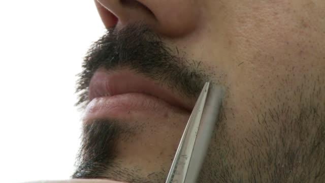 vídeos de stock, filmes e b-roll de el bigote es una institucion turquia simbolo de virilidad en casi todo medio oriente. voiced : el turismo del bigote on august 08, 2013 in istanbul,... - masculinidade