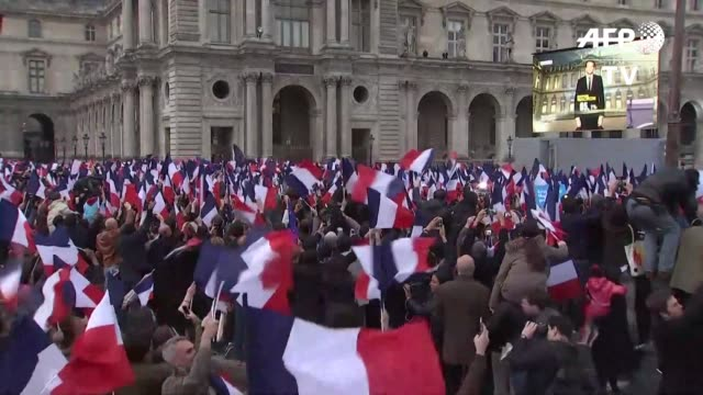 el candidato centrista emmanuel macron es el presidente electo de francia segun las primeras estimaciones al obtener entre 65,5% y 66,1% de los votos... - president stock videos & royalty-free footage