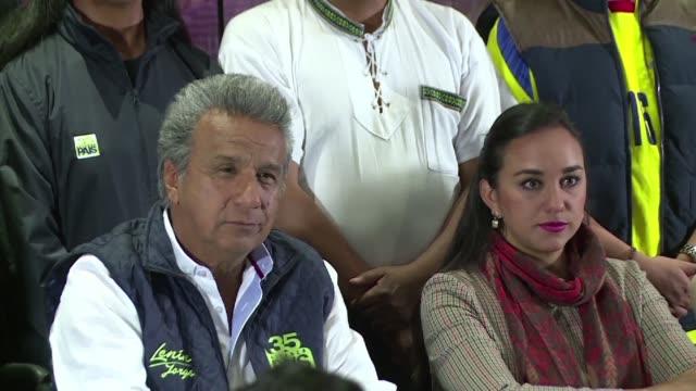 vídeos y material grabado en eventos de stock de el candidato correista lenin moreno vislumbro el lunes su victoria en la primera vuelta de las presidenciales de ecuador sobre el opositor de derecha... - domingo