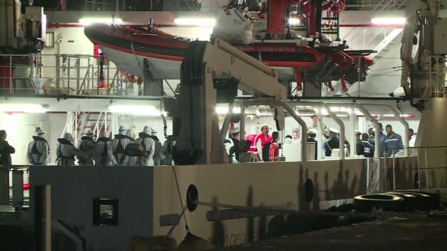 el capitan del barco que naufrago en el mediterraneo con 800 migrantes a bordo es el responsable de la tragedia por sobrecargar la nave senalo la... - procuratore video stock e b–roll
