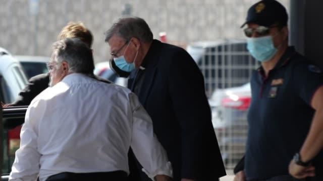 el cardenal australiano george pell, quien fue ministro de economía del vaticano, llegó el miércoles a roma tras ser absuelto en abril de delitos de... - crime stock videos & royalty-free footage