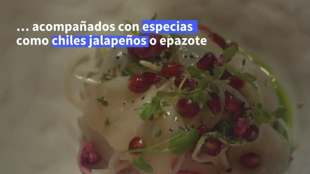 el chef enrique casarrubias produce en su restaurante de parís una peculiar combinación de gastronomía francesa con toques mexicanos, recompensada... - restaurante stock videos & royalty-free footage