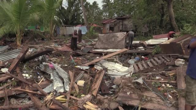 el ciclón eta dejó decenas de muertos, más de 50 de ellos en guatemala, en su devastador paso por américa central, donde dejó también una estela de... - managua stock videos & royalty-free footage