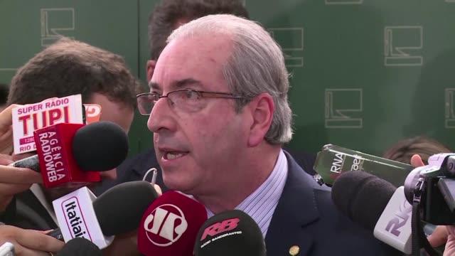 el congreso de brasil abrio una investigacion contra el titular de la camara de diputados eduardo cunha acusado de corrupcion - congreso stock videos and b-roll footage