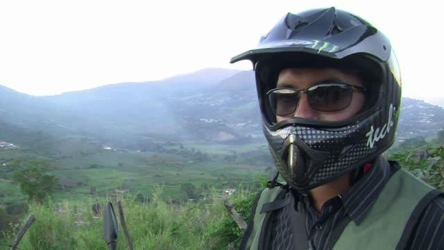 el contrabando de gasolina en la frontera con colombia le cuesta a venezuela unos 3650 millones de dolares al ano - gasolina stock videos & royalty-free footage