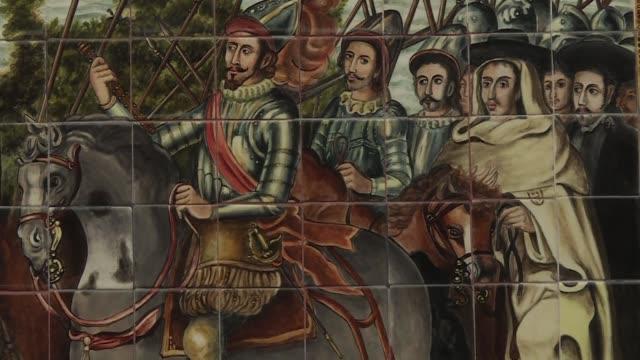 vídeos y material grabado en eventos de stock de el cuerpo del conquistador hernan cortes yace olvidado en una iglesia de la capital mexicana mientras su legado de tres siglos de dominio de la... - recordatorio