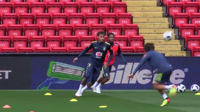 El delantero estrella de Brasil Neymar realizara su regreso a los terrenos de juego el domingo en el partido amistoso de preparacion para el Mundial...