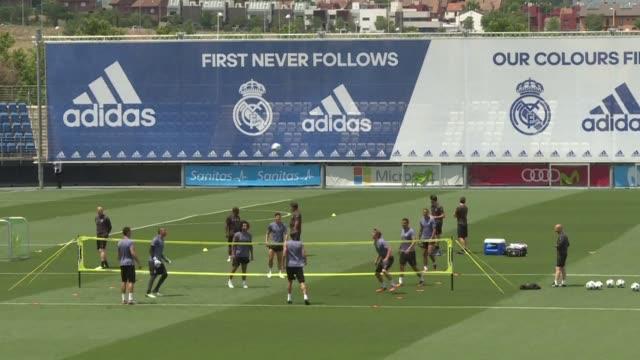 El director tecnico del Real Madrid Zinedine Zidane aseguro el martes que no hay muchas diferencias entre su equipo y la Juventus previo a la final...
