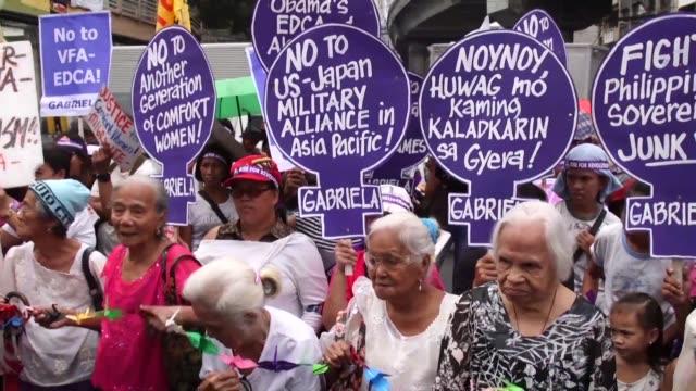 El emperador de Japon cumplia este miercoles una visita oficial en Filipinas donde decenas de mujeres protestaron en repudio a los casos de...