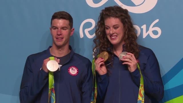 vídeos y material grabado en eventos de stock de el equipo de natacion estadounidense esta satisfecho con los resultados obtenidos al frente del medallero en rio 2016 mientras los integrantes de... - ee.uu