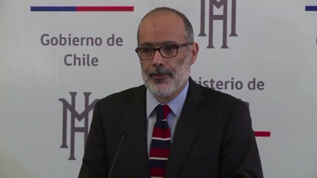 El equipo economico del gobierno de Michelle Bachelet dimitio en su totalidad el jueves con las renuncias de los ministros de Hacienda Rodrigo Valdes...