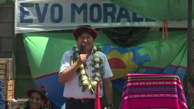 el expresidente boliviano evo morales aseguro que respeta la candidatura de la mandataria interina jeanine anez para las elecciones del proximo 3 de... - refugiado stock videos & royalty-free footage