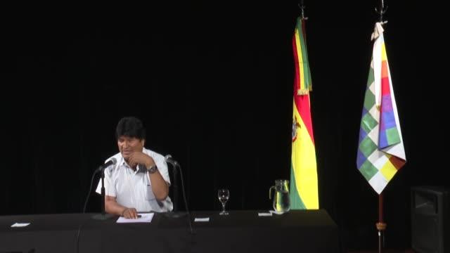 el expresidente boliviano evo morales refugiado en buenos aires senalo el jueves que un equipo integrado por el celebre jurista espanol baltasar... - refugiado stock videos & royalty-free footage