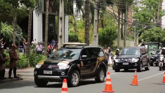 el expresidente de brasil luiz inacio lula da silva salio el miercoles por primera vez de la carcel en siete meses - brasile meridionale video stock e b–roll
