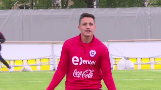 El futbolista chileno Alexis Sanchez actualmente en el Manchester United acepto una pena de 16 meses de carcel por defraudar un millon de dolares al...