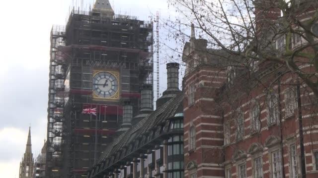 el gobierno britanico de boris johnson que consiguio el hito historico de lograr la aprobacion del brexit hace oidos sordos a la campana de los mas... - reino unido stock videos & royalty-free footage