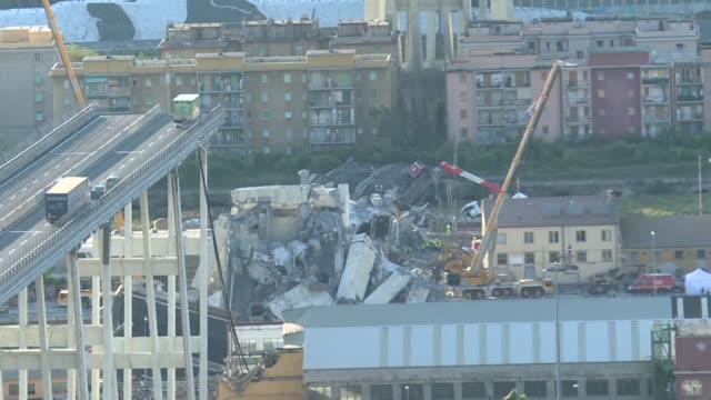 el gobierno italiano declaro la guerra a la sociedad que gestiona la autopista del puente derrumbado en genova cuyas acciones en la bolsa de milan se... - puente stock videos & royalty-free footage