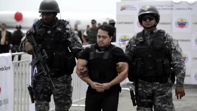 el gobierno venezolano anuncio el lunes la deportacion a colombia de tres ciudadanos solicitados por la policia internacional interpol acusados de... - drug trafficking stock videos & royalty-free footage