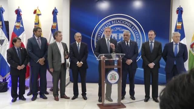 vídeos y material grabado en eventos de stock de el gobierno y la oposicion de venezuela acordaron continuar el 11 y 12 de enero las negociaciones en santo domingo para intentar resolver la grave... - política y gobierno