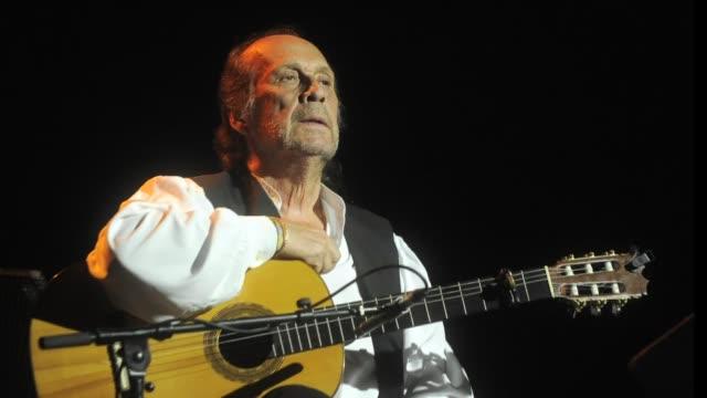 el guitarrista flamenco espanol paco de lucia ha fallecido en mexico a los 66 anos anuncio este miercoles a la afp el ayuntamiento de algeciras su... - paco de lucía stock videos & royalty-free footage