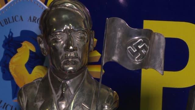el hallazgo de una coleccion de piezas nazis en argentina llamo la atencion internacional y para autoridades y ong's confirma que dirigentes del... - escultura stock videos & royalty-free footage