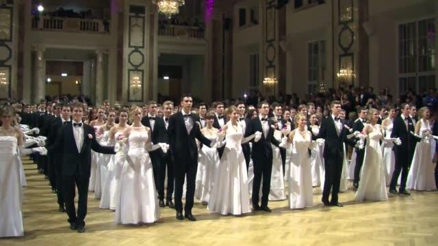 el invierno en viena esta marcado por la temporada de bailes voiced los bailes de los debutantes on february 16 2014 in vienna austria - debutante stock videos & royalty-free footage