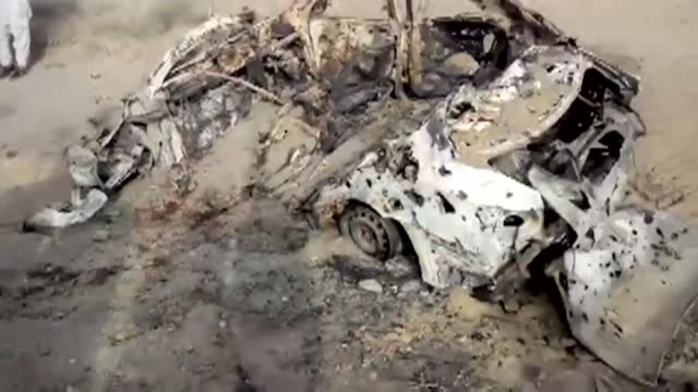 El lider de los talibanes de Afganistan el mula Akhtar Mansur murio en un ataque aereo de Estados Unidos en Pakistan informo el domingo el servicio...