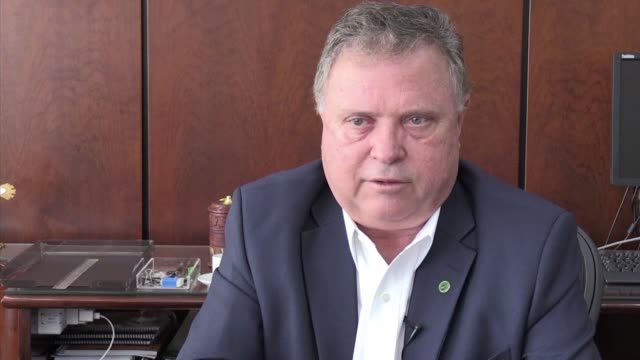 stockvideo's en b-roll-footage met el ministro brasileno de agricultura blairo maggi lamento el jueves que a su juicio francia quiera utilizar el escandalo de carne adulterada en las... - agricultura