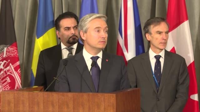 el ministro canadiense de relaciones exteriores prometio el jueves no descansar hasta que iran de al mundo respuestas sobre el derribo accidental con... - misfortune stock videos & royalty-free footage