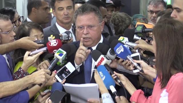 El ministro de Agricultura de Brasil Blairo Maggi amenazo el lunes a Chile con tomar represalias si cierran el mercado a los cortes brasilenos tras...
