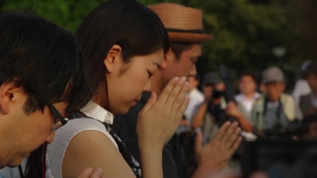 El mundo recordo este jueves con una ceremonia en Hiroshima el 70º aniversario del primer bombardeo atomico de la historia que condujo a la...