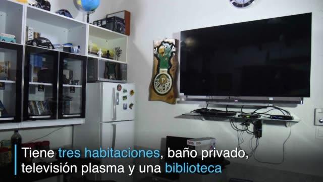 el narcotraficante brasileno jarvis chimenes pavao estaba detenido en una carcel paraguaya pero tenia una celda con tres habitaciones bano privado... - biblioteca stock videos and b-roll footage