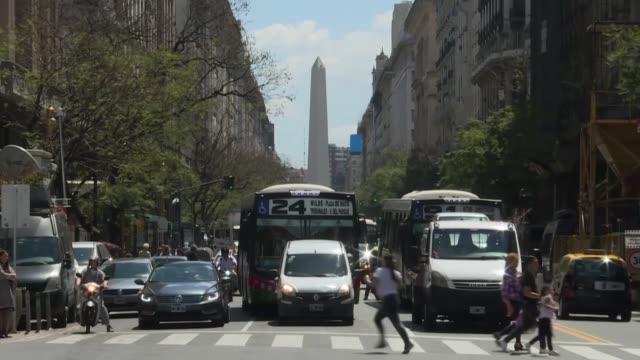el nuevo gobierno argentino promulgo el lunes un paquete de medidas economicas e impositivas de emergencia que busca poner en marcha un pais que... - argentina stock videos & royalty-free footage