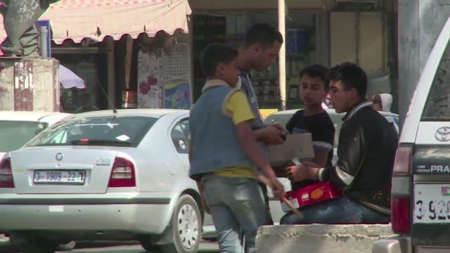 el pacto de reconciliacion entre la autoridad palestina y hamas no ayuda a las negociaciones de paz indico barack obama un dia despues de que israel... - palestina stock videos and b-roll footage