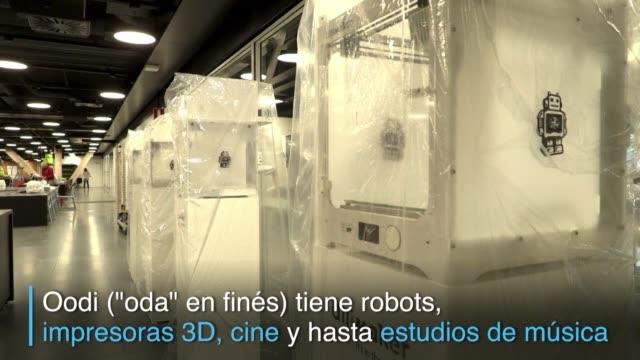 el pais mas alfabetizado del mundo festeja su centenario inaugurando una nueva e innovadora biblioteca que contara con robots impresoras 3d y donde... - biblioteca stock videos and b-roll footage