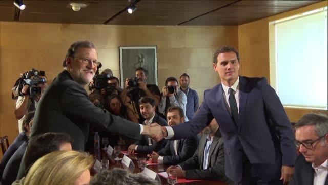 El Partido Popular espanol consiguio el domingo el apoyo de los liberales de Ciudadanos para que su lider Mariano Rajoy quede al frente de un nuevo...