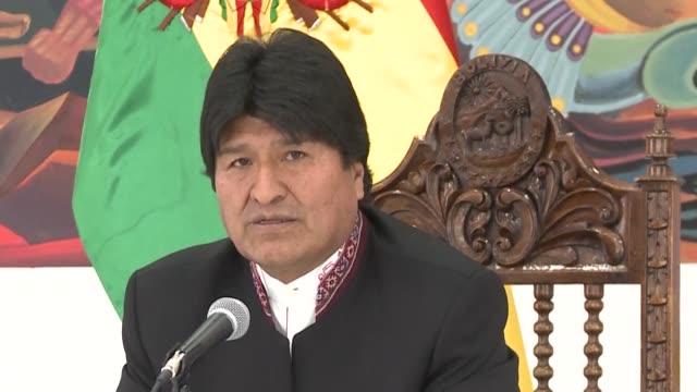 el presidente boliviano evo morales reacciono ante el reves sufrido en la haya y el martes anuncio que reclamara a la corte internacional de justicia... - evo morales stock videos & royalty-free footage