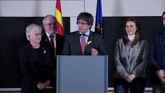 el presidente catalan destituido carles puigdemont celebro el jueves una victoria que nadie puede discutir en cataluna donde las fuerzas... - discutir stock videos & royalty-free footage