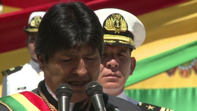 el presidente de bolivia evo morales afirmo este domingo que espera que su homologa chilena michelle bachelet atienda el reclamo boliviano por una... - evo morales stock videos & royalty-free footage