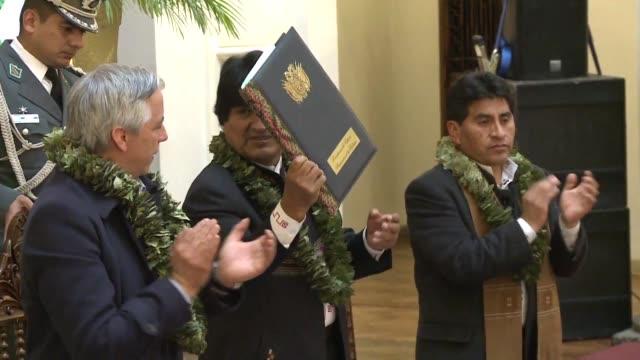 el presidente de bolivia evo morales promulgo el miercoles una ley que extiende las tierras de cultivo dedicadas a la produccion de hoja de coca - evo morales stock videos & royalty-free footage