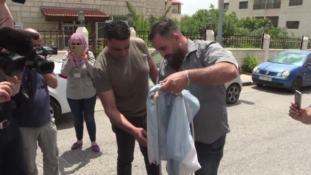 el presidente de la federacion palestina de futbol jibril rajoub pidio el domingo a lionel messi que no participe en el partido amistoso israel... - palestina stock videos and b-roll footage