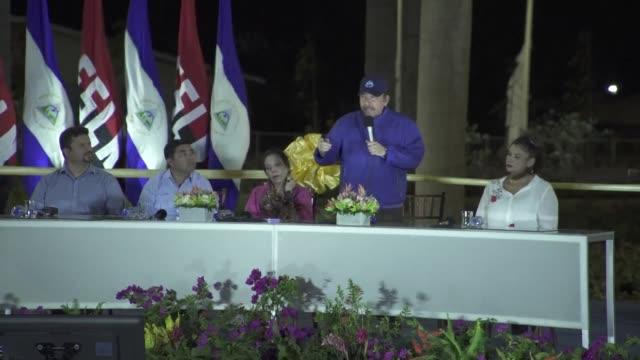 vídeos y material grabado en eventos de stock de el presidente de nicaragua daniel ortega llamo el jueves a superar las diferencias ideologicas y politicas en el pais mientras su gobierno y la... - política y gobierno