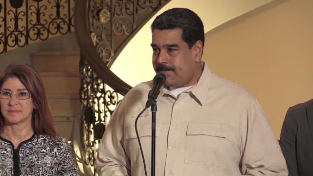 El presidente de Venezuela Nicolas Maduro dijo el miercoles que las elecciones presidenciales adelantadas para el 22 de abril se llevaran a cabo...