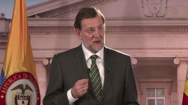 El presidente del gobierno espanol Mariano Rajoy califico este jueves en Bogota de injusticia la decision de Argentina de expropiar parte de la...