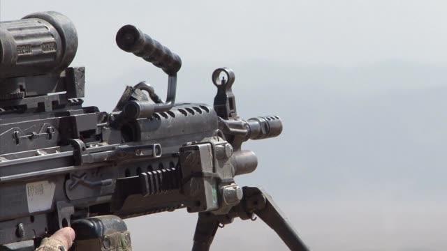 vídeos y material grabado en eventos de stock de el presidente estadounidense barack obama anuncio este jueves el mantenimiento de miles de soldados estadounidenses en afganistan mas alla de 2016 al... - ee.uu