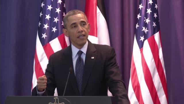 el presidente estadounidense barack obama se mostro en su primera visita a los territorios palestinos este jueves en contra de los asentamientos... - palestina stock videos and b-roll footage