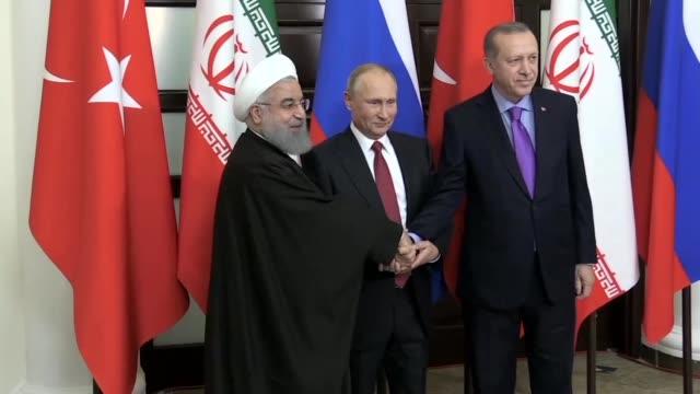 El presidente ruso Vladimir Putin se reunio el miercoles con sus homologos de Iran y Turquia para tratar el conflicto en Siria